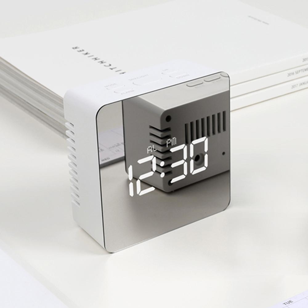 무아스 LED 미러클락 정사각형 탁상시계