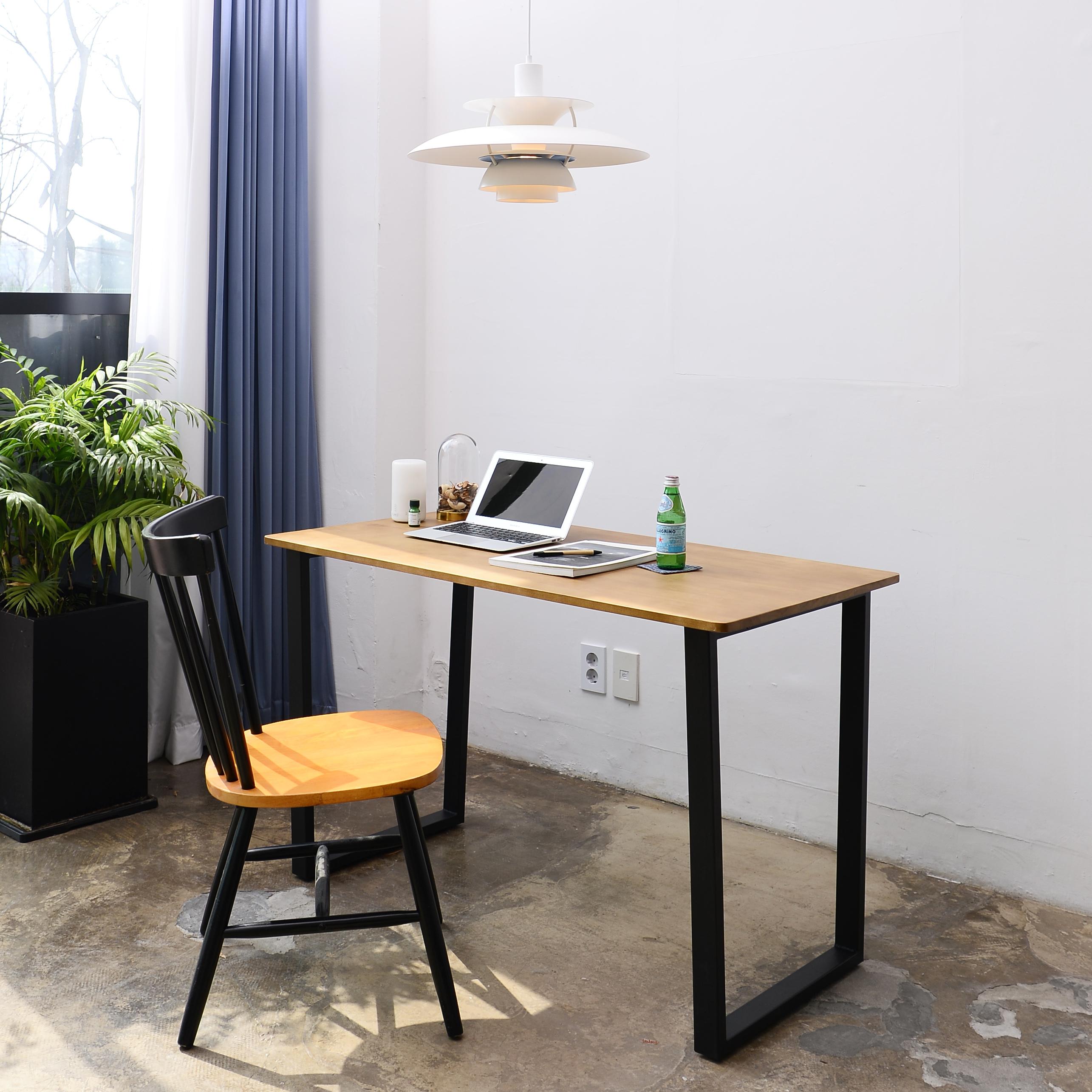 아이코닉하우스 코지스 원목 테이블, 혼합색상