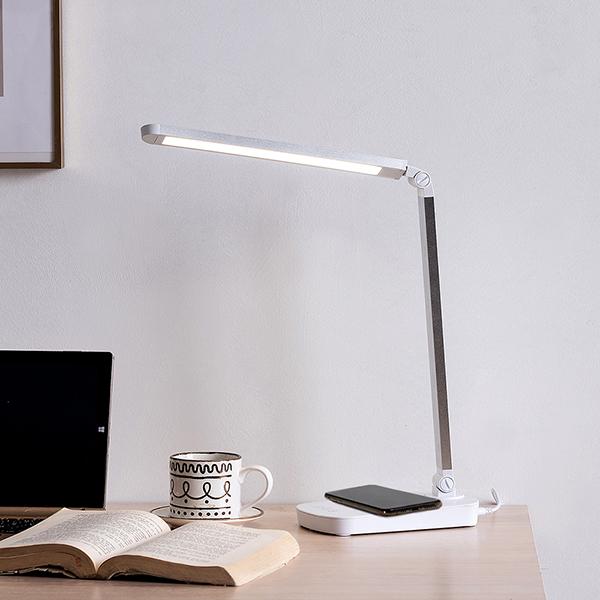 스피아노 플레타 스마트폰 무선 충전 겸용 LED 스탠드 아답터타입, SL-N118(실버)