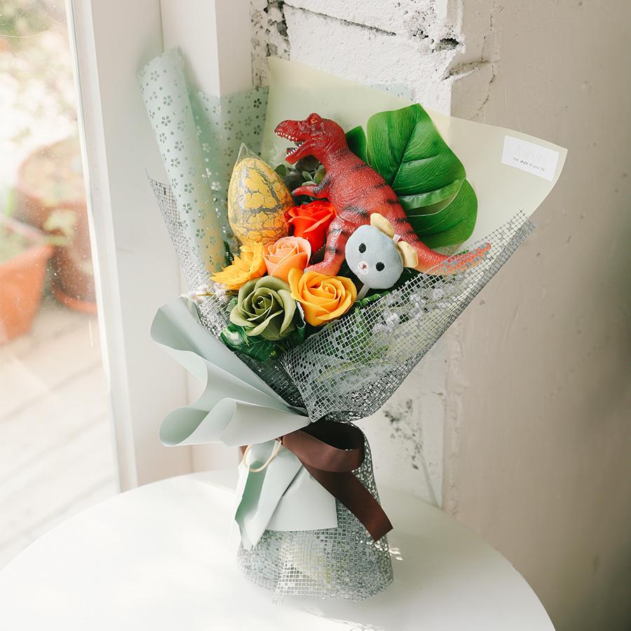 아스파시아 조화 다이노소어 공룡 꽃다발, 티라노
