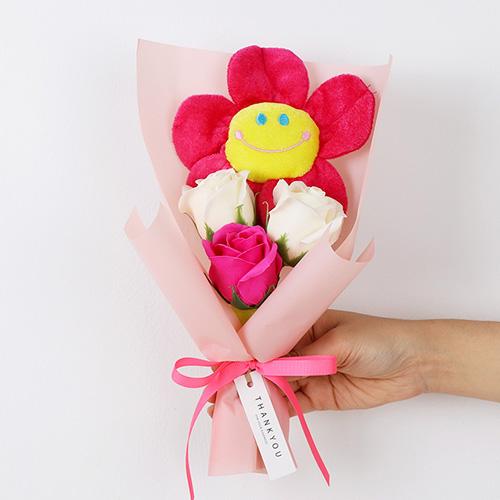 조화 스마일 인형 미니꽃다발, 핑크