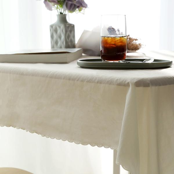 까사베르데 티티 고주파 식탁보, 아이보리, 2인(130 x 130 cm)