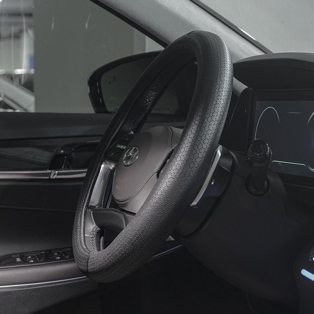 벤딕트 자동차 가죽 타공 원형 핸들커버 VDT-024, 블랙 (POP 5614403725)