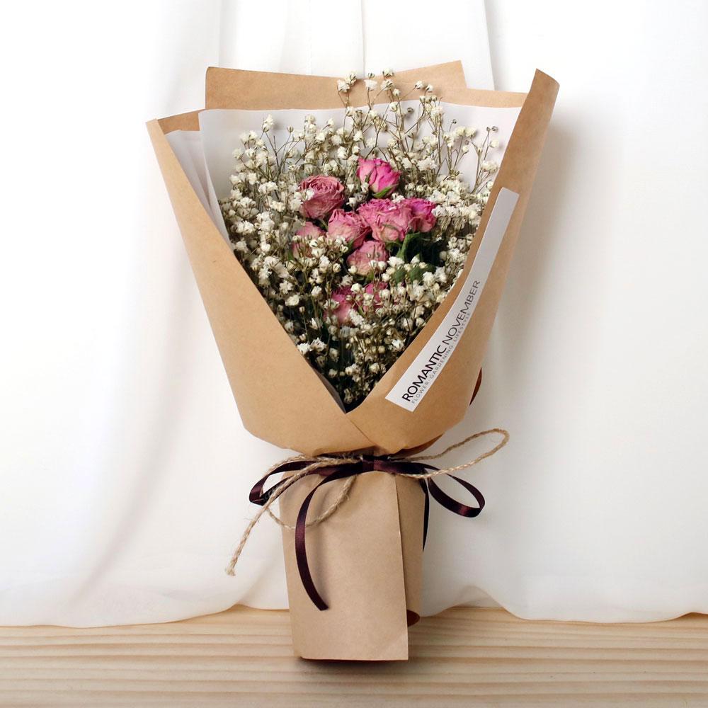 로맨틱노벰버 드라이플라워 자나장미 화이트안개꽃 꽃다발 크라프트, 혼합색상