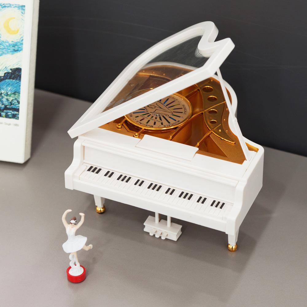 엔틱 피아노 오르골