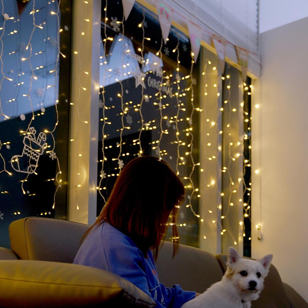 데이홈 이즈휴 LED 커튼조명 크리스마스 세트 300구, 혼합색상
