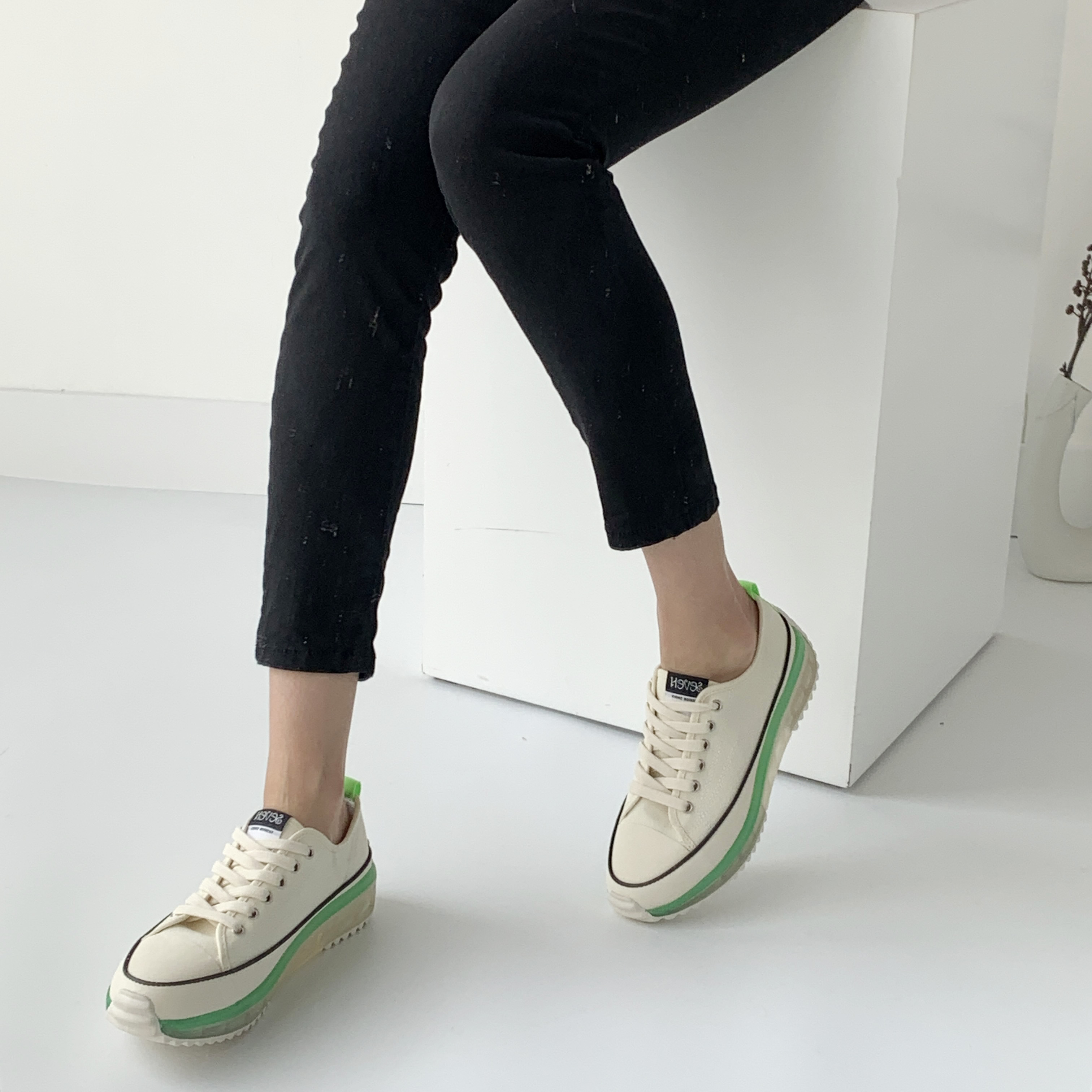 프리센스 투명 키높이 여성 스니커즈 4cm