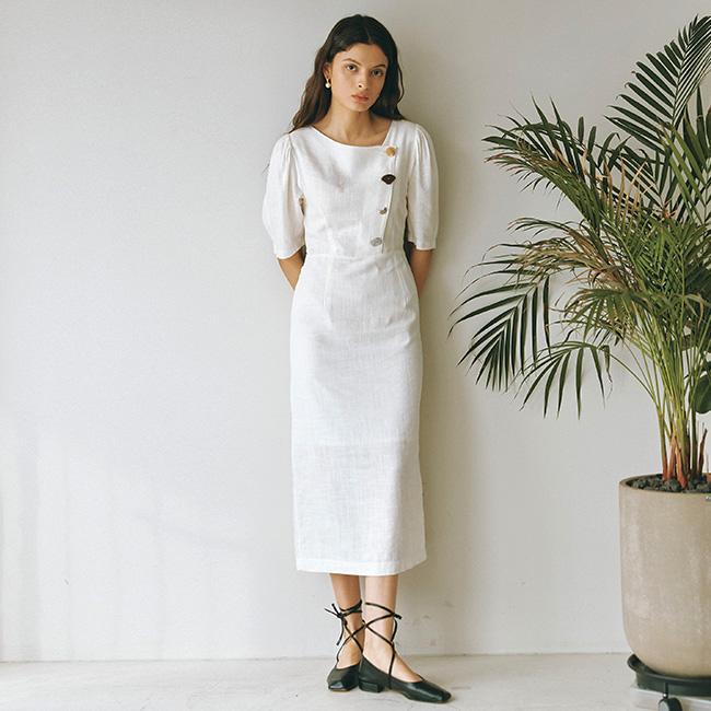 [버튼원피스] 아이아이 EMMA BUTTON POINT LINEN DRESS EEOO1OPR09W - 랭킹7위 (118800원)