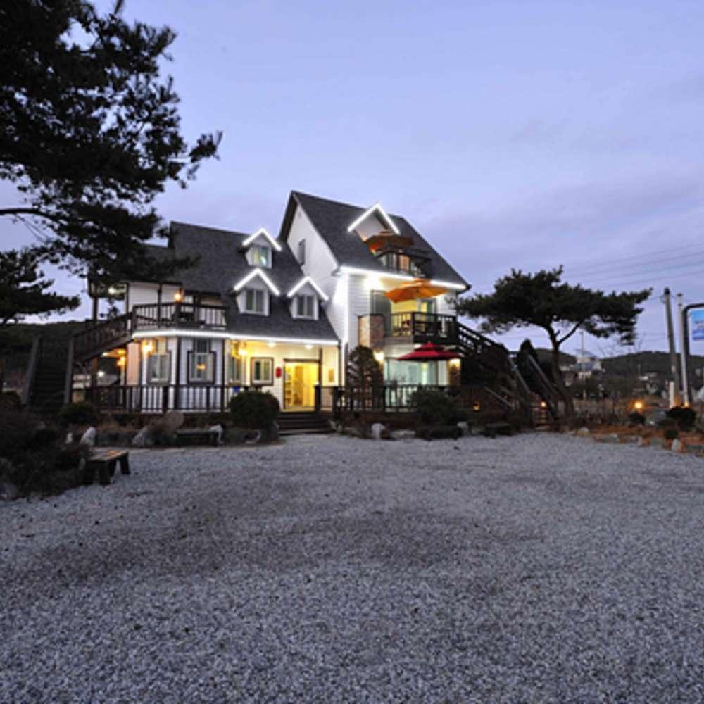 [태안군] 바다햇살고운집