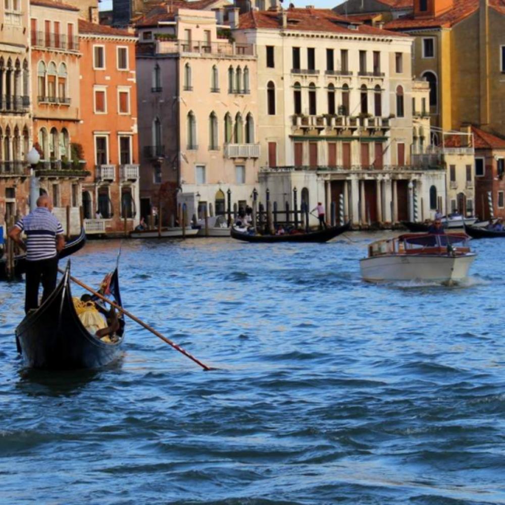 [이탈리아]  베네치아  베네치아 곤돌라 체험 공용  탑승 (4월-10월) (GON)