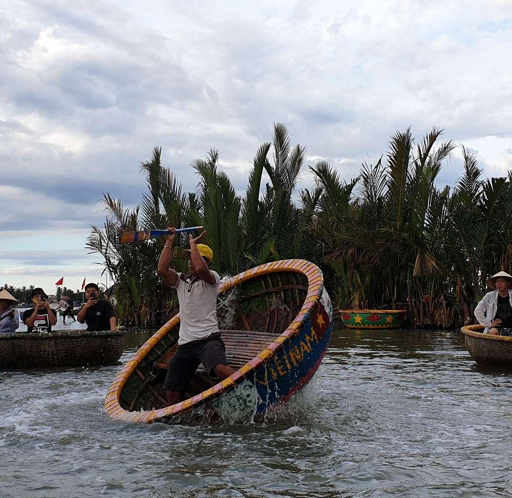 [다낭/호이안]  핵심투어! 호텔픽업+드랍 코코넛마을 바구니배+호이안(야시장)+왕복차량