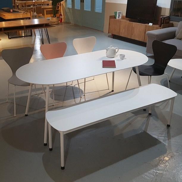 라움 화이트 원형 식탁 타원형 라운드 테이블 2인 4인 6인 8인 벤치 의자, 화이트타원형1800