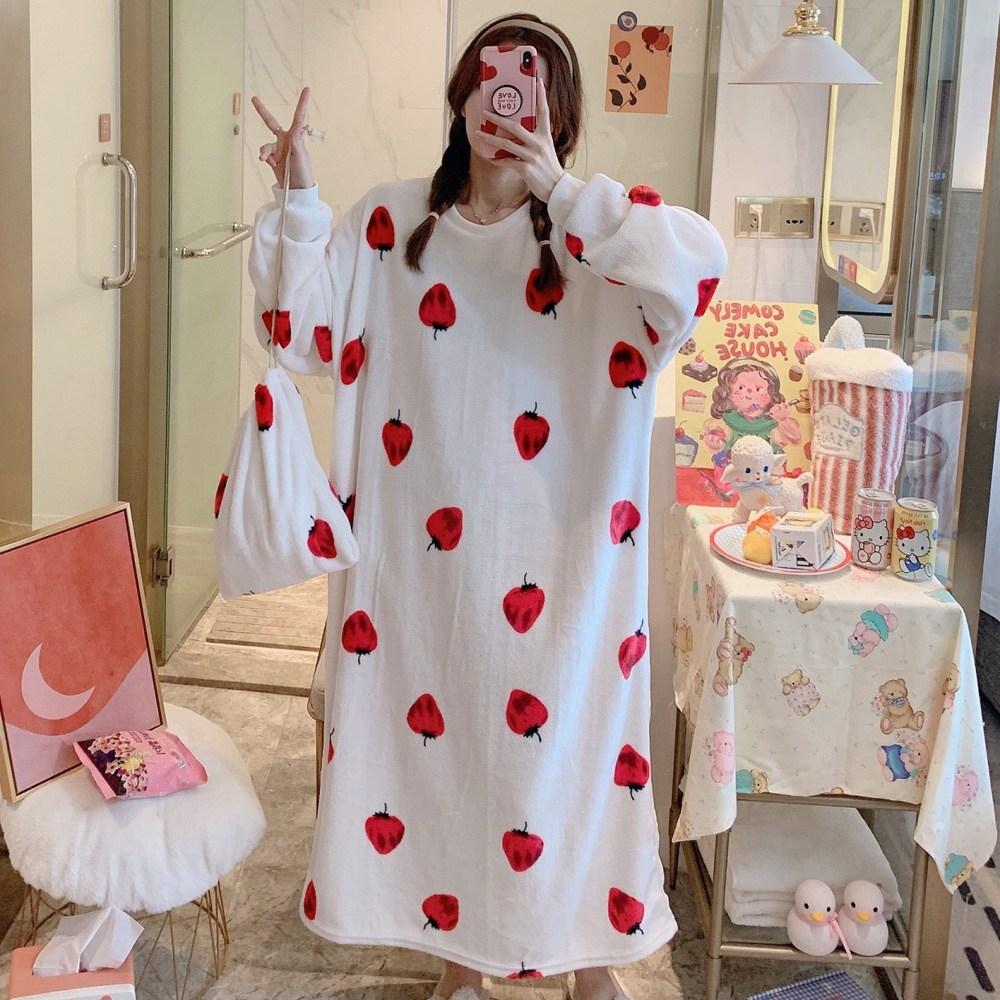 로리돌스 화이트딸기 빅사이즈 원피스 수면잠옷 여성 홈웨어