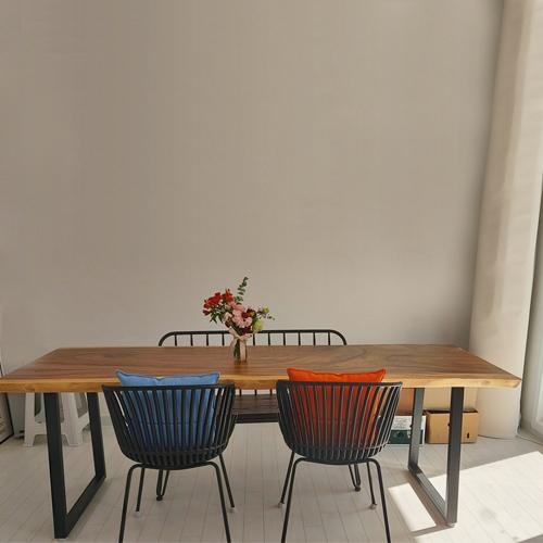 메종드에디션 레인트리 우드슬랩 식탁 카페 테이블, 1800(기본형 다리)