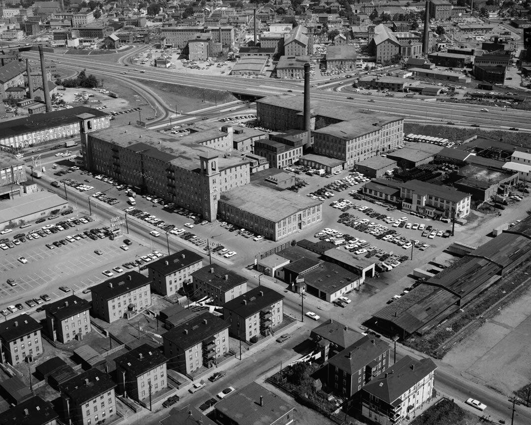 369670 Richard Borden Textile Mill 1 Fall River MA 1968 aerial view 8x10 photo