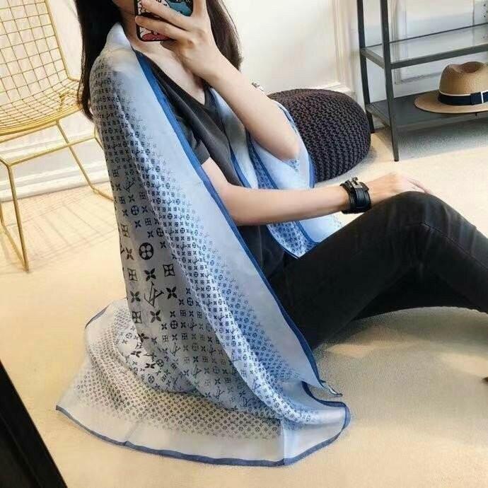 라니샵 [루이비통]신상 푸들 스카프(3색)