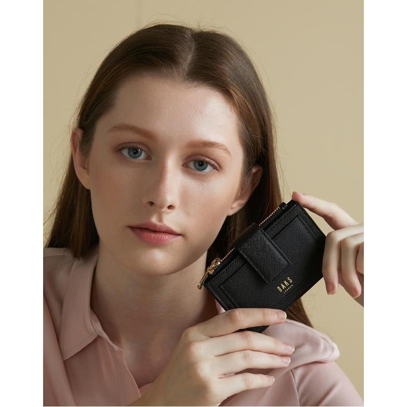 닥스 악세서리 여성 19FW 블랙 사피아노 가죽 골드 로고 카드홀더 DCHO9F917BK 여성카드/명함지갑