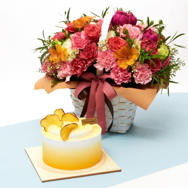 뚜레쥬르 고구마라떼케익+해피투게더 카네이션꽃바구니 꽃배달 어버이날 선물