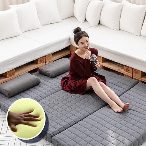 누을 7cm 원룸 메모리폼 3단 접이식 접는 토퍼 떡실신 마약 기절 바닥 침대 매트리스, 모던블루누비