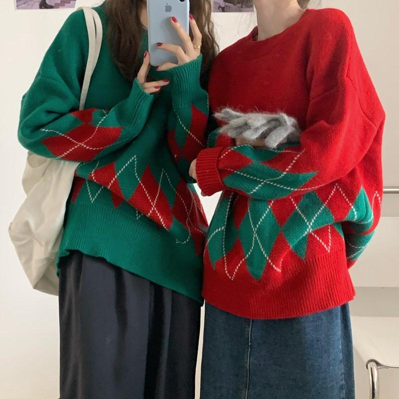 잇츠스타일 연말룩 크리스마스 분위기 다이아몬드 풀오버 니트 스웨터