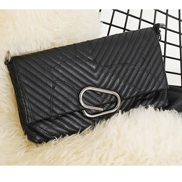 클러치 크로스 패션소품 캐주얼가방 여자가방 브이 ( 30대 20대 여자가방 브랜드 W0C72E3)
