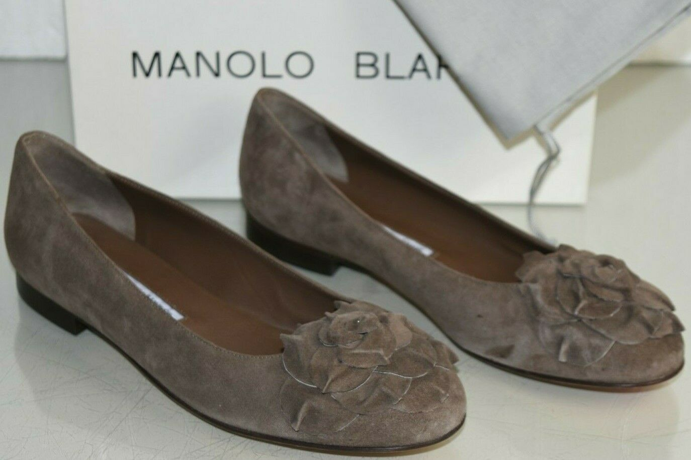 NEW Manolo Blahnik GISELLA Flats Suede Taupe Grey Brown Flower Flat Shoes 40.5