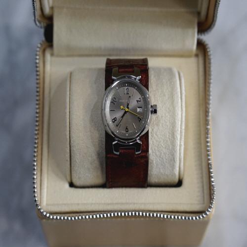 루이비통 땅부르 28mm 쿼츠 시계 EC
