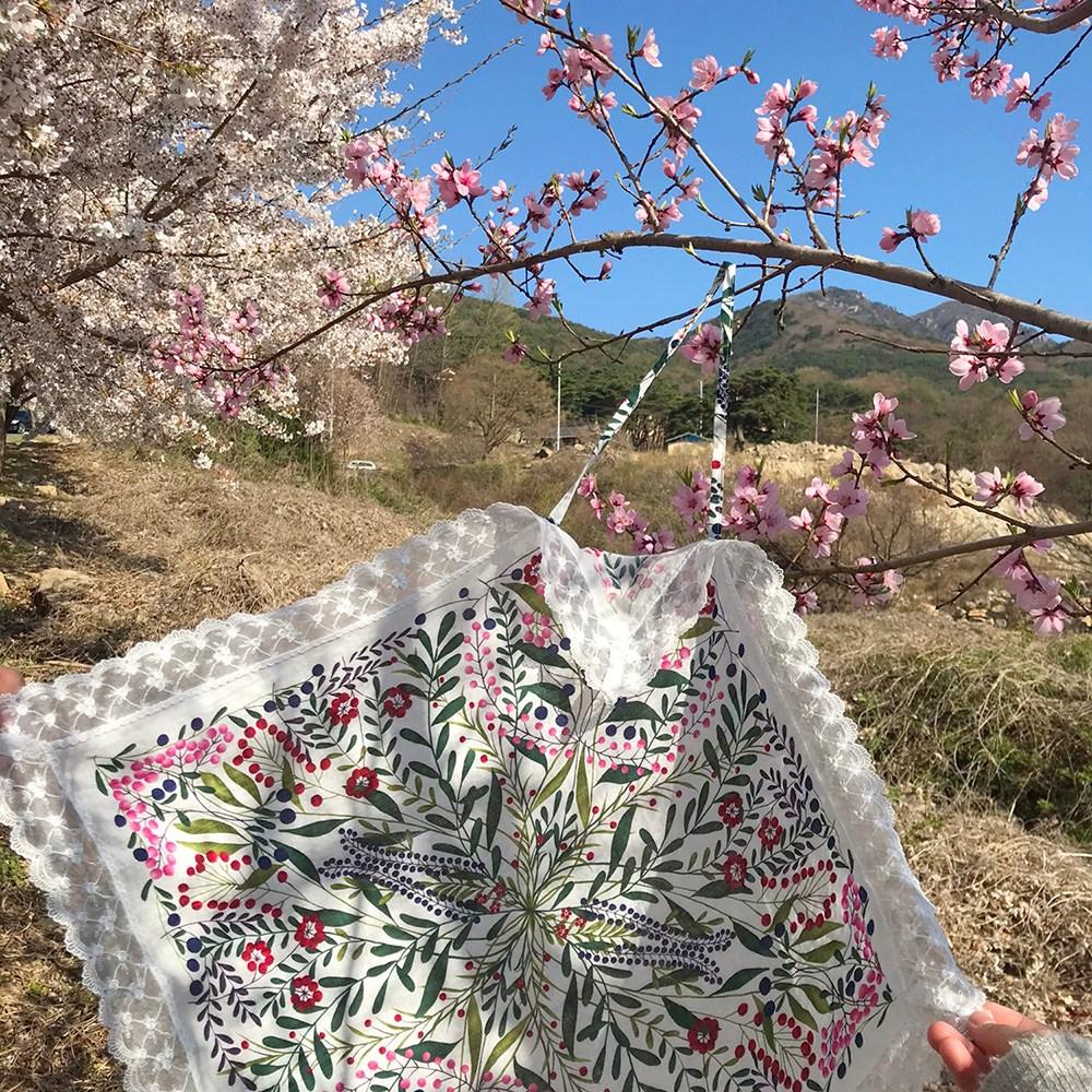 쥬방스 김수미앞치마 꽃무늬 레이스 큰손수건 어른턱받이