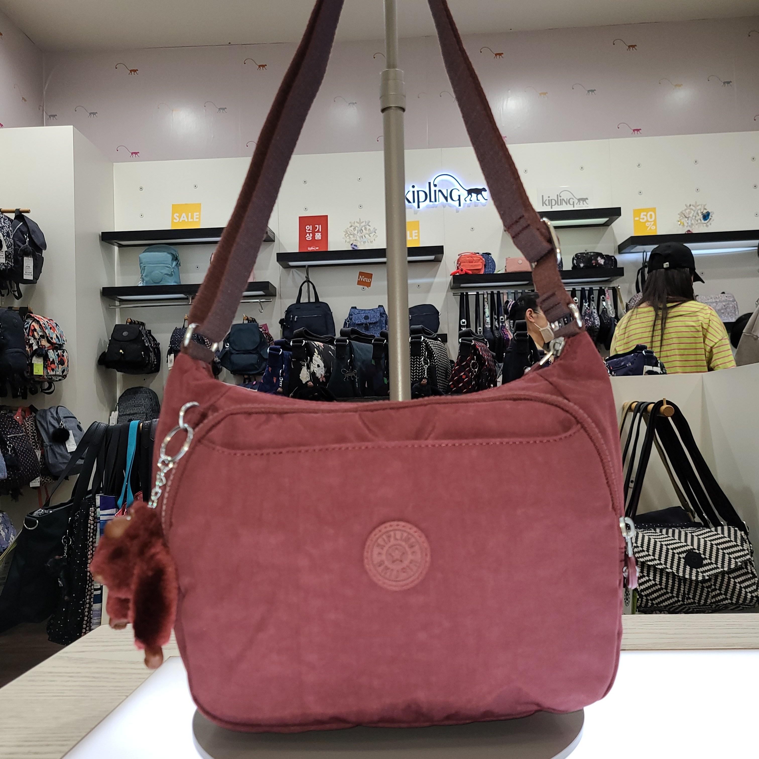 키플링 숄더&크로스백 카이(CAI) 나들이에 유용한 가방