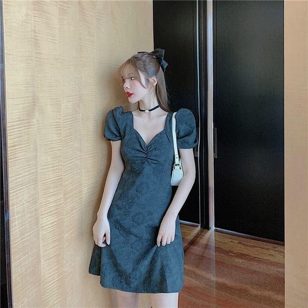 퍼프 소매 주름 셔링 꼬임 브이넥 기본 핏 원피스