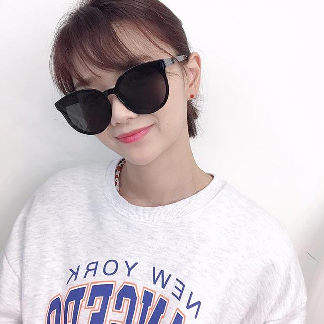(바이원아이즈) 여자 빅사이즈 오버핏 오버사이즈 플랫바 패션 윤아 유인나 제니 선글라스