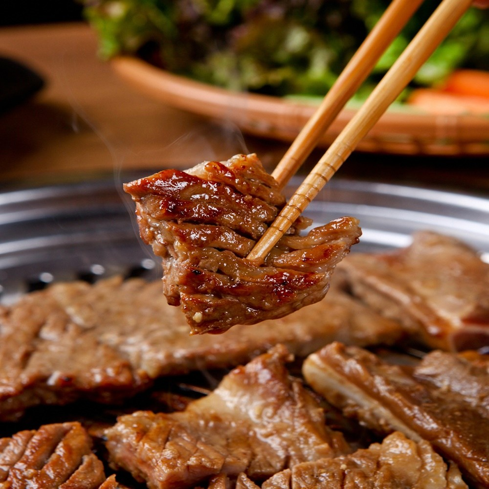 아름다운정성 국산돼지갈비 고기 붙이지 않은 진짜 양념돼지갈비 맛있는 국내산 캠핑 고기세트 수제 돼지왕갈비 1.5kg, 1팩