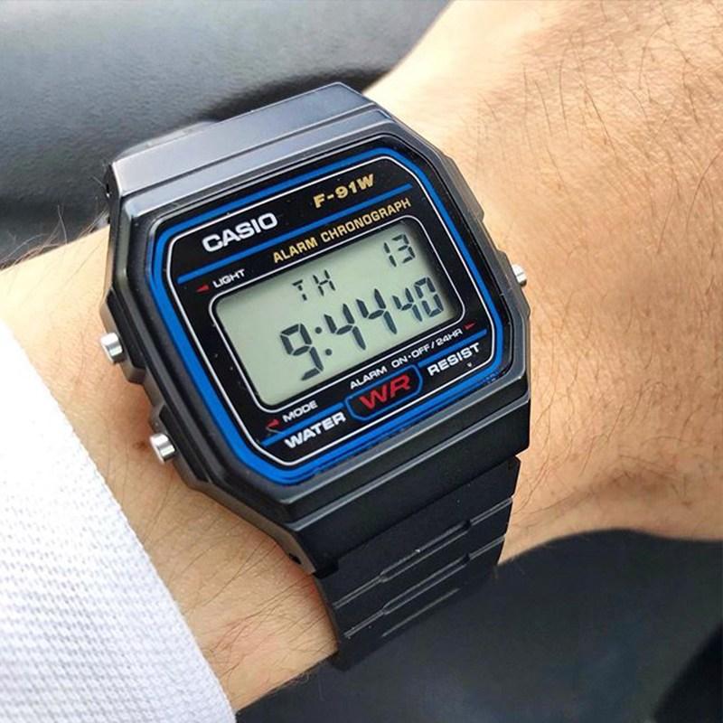메탈시계 흑무사 남녀 손목시계 클래식한 심플 복고 스몰 전자시계 B650WC/WB/WD