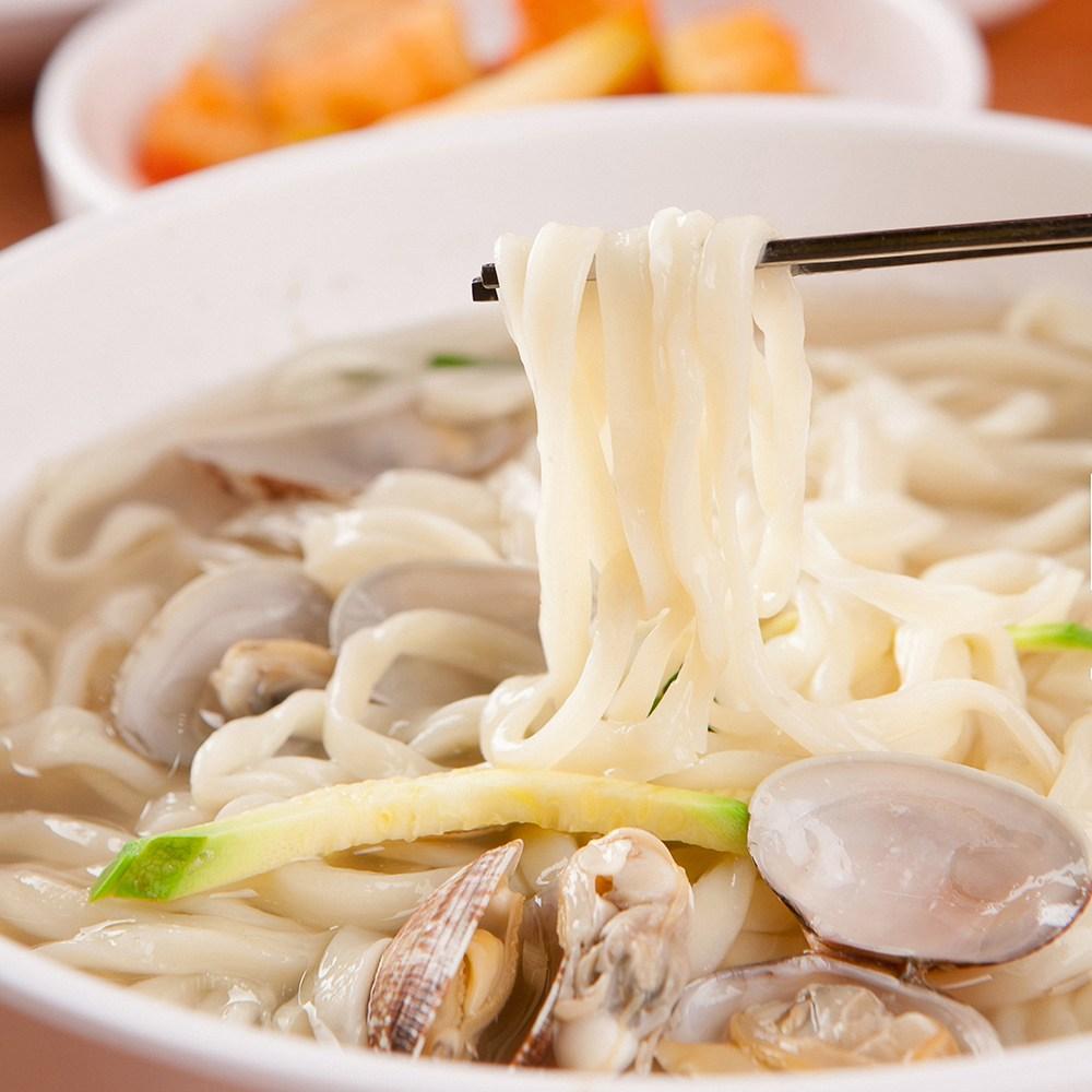 군산맛집 산북동 엄마손칼국수 (3인분)칼국수 600g+육수소스3봉+바지락300g, 3인분