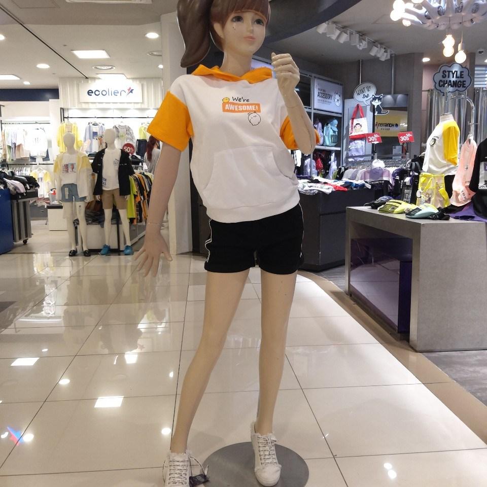 더데이걸 예쁜걸~~~몰랑이 후드 티셔츠.