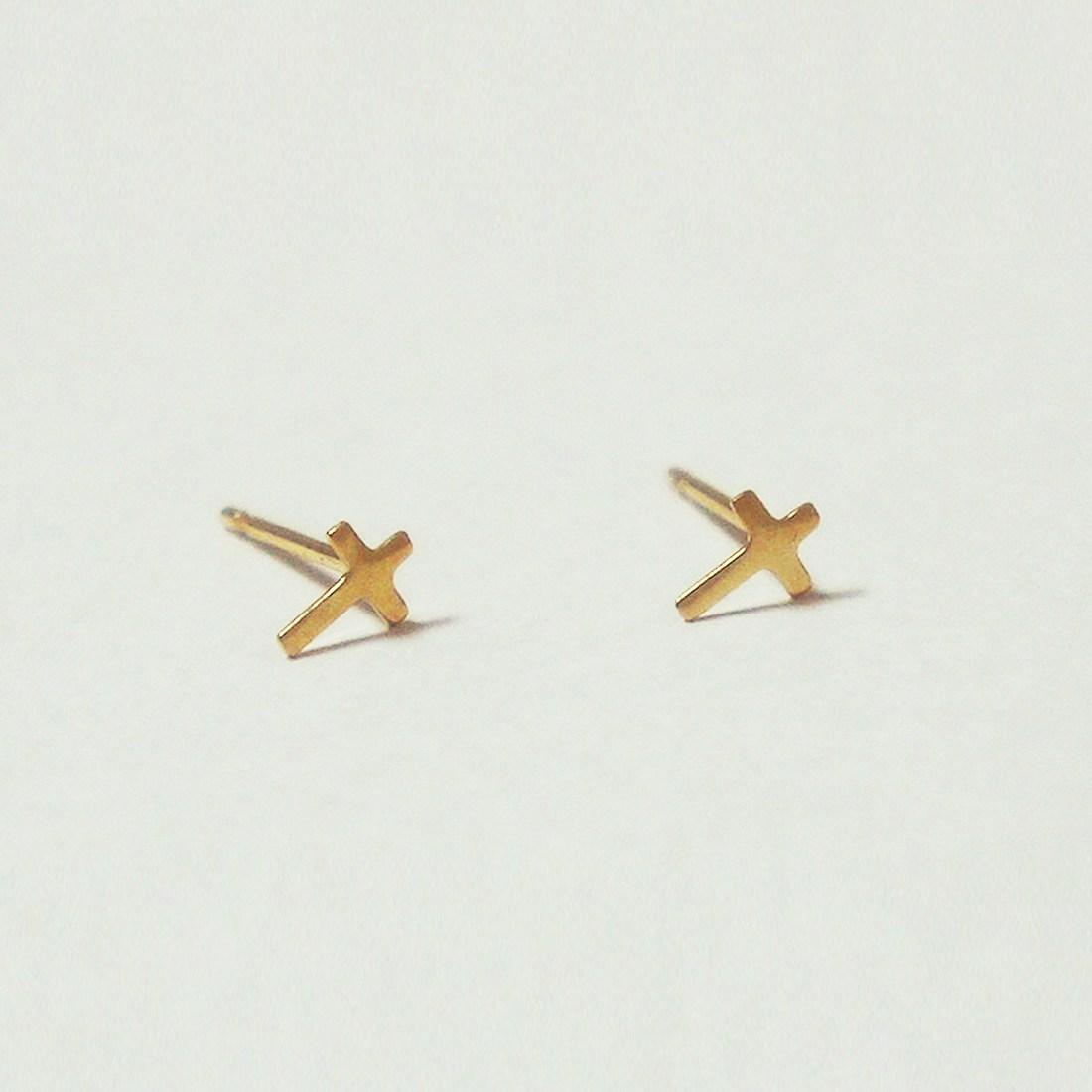 merryG 메리지 10K 골드 십자가 귀걸이