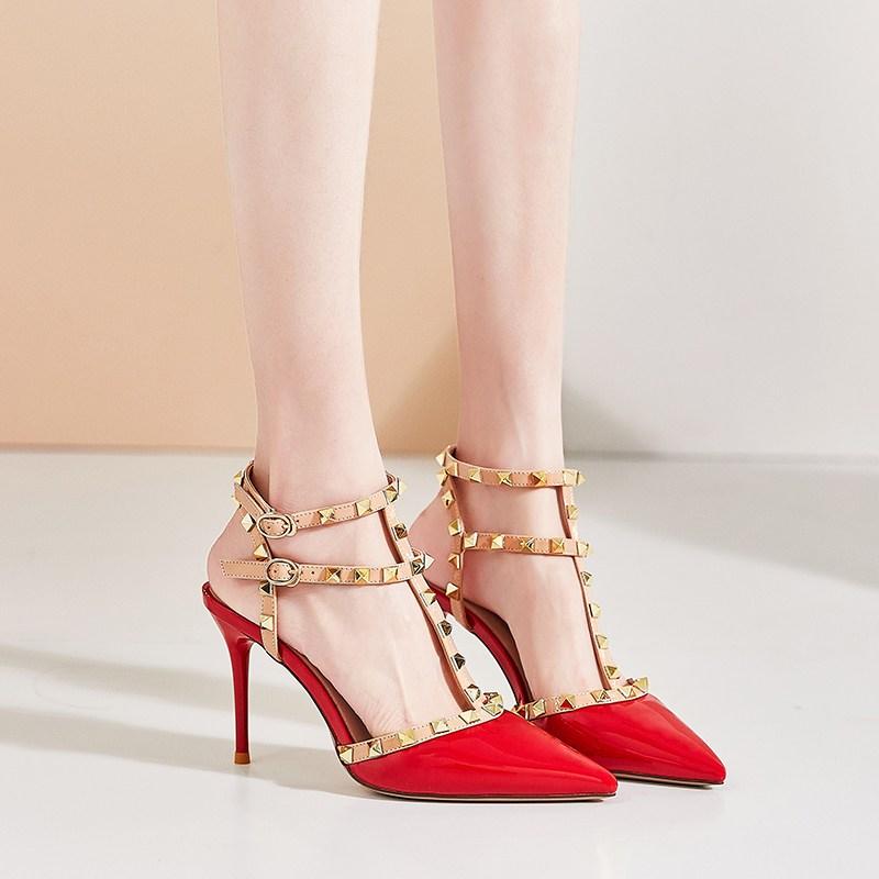 여자스트랩샌들 리벳 하이힐 여자굽 섹시한 로마 뾰족한 발가락까지덮는스타일 샌들 여성여름옷 일자띠 선녀스타일 2020뉴타입~