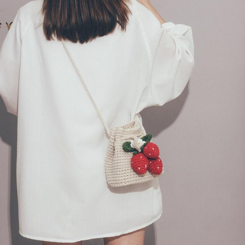 여성 가방 데일리 캐주얼 딸기 뜨개질 니트 크로스백