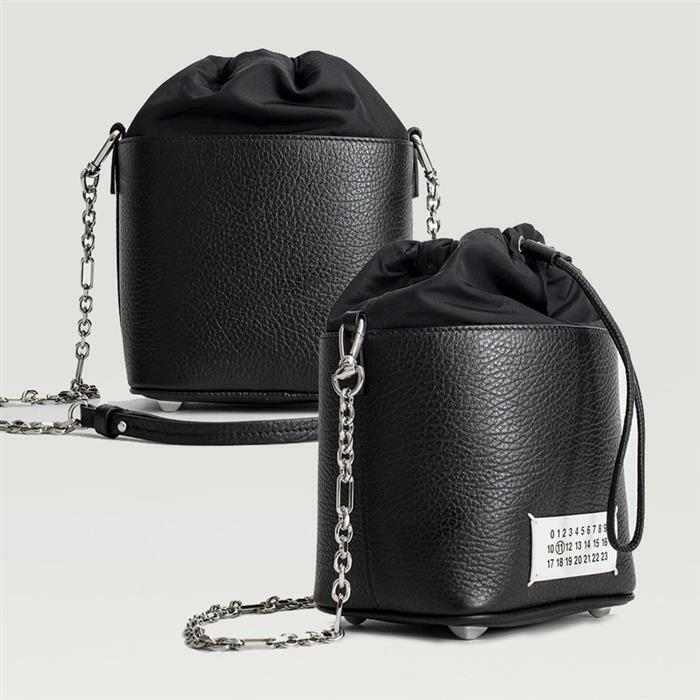 [Maison Margiela]메종 마틴 마르지엘라 5AC 체인 버킷백 블랙 카프 스킨 여성 토트백 S61WG0035P0396H7735
