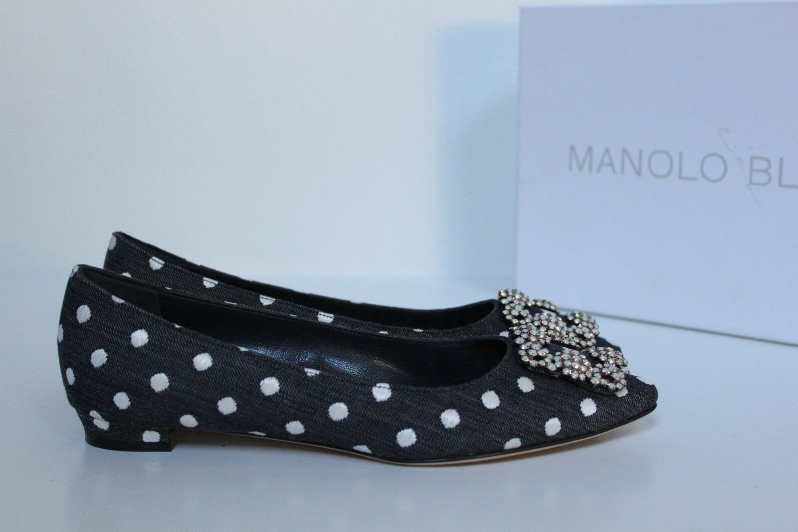 sz 9.5 / 39.5 Manolo Blahnik Blue Denim White Dot Hangisi Brooch Jewel Flat Shoe