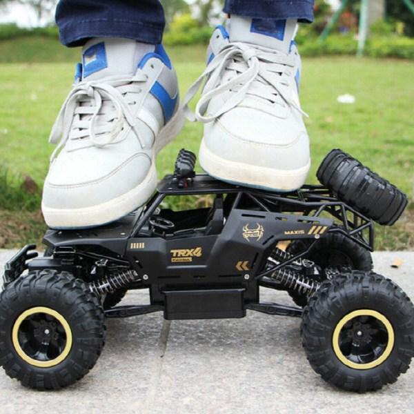 4륜 구동 RC카 충돌 방지 블랙