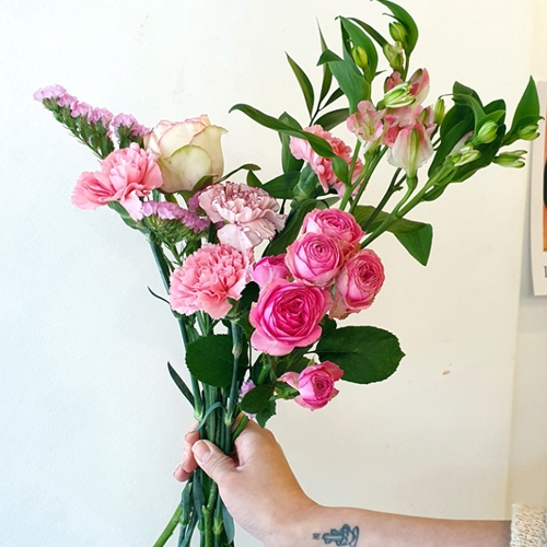 라튤립 어버이날 스승의날 카네이션 믹스 생화 꽃다발, 카네이션 핑크믹스(꽃다발)