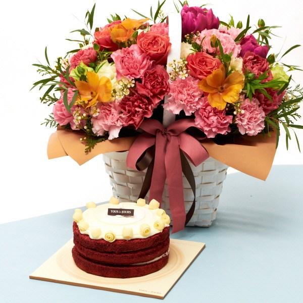 뚜레쥬르 레드벨벳케익+해피투게더 카네이션꽃바구니 꽃배달