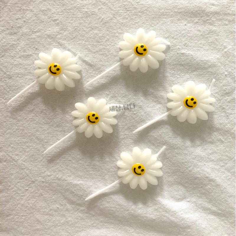 세상 담다 예쁜 데이지 꽃모양 플라워 생일 파티 케이크 꾸미기 초 캔들, 1개, 화이트(낱개)