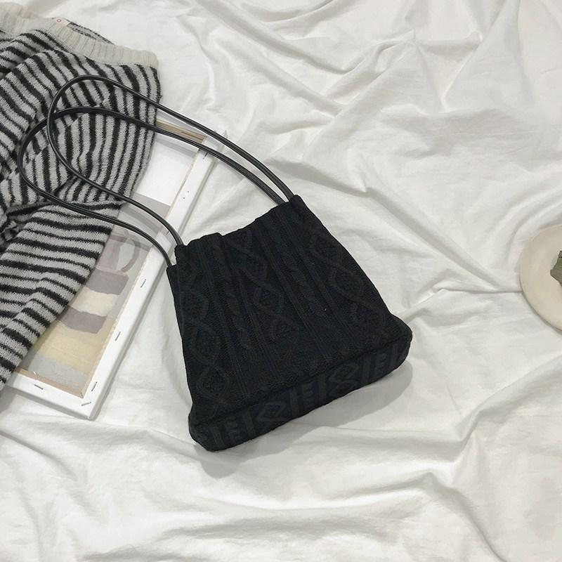 여성 가방 꽈배기 니트 짜임 뜨개질 스퀘어 크로스백