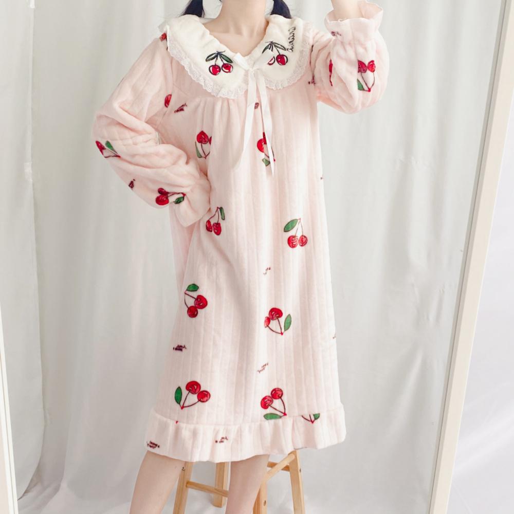 겨울 체리 프릴 극세사 수면 털 원피스 잠옷 여성 파자마 홈웨어