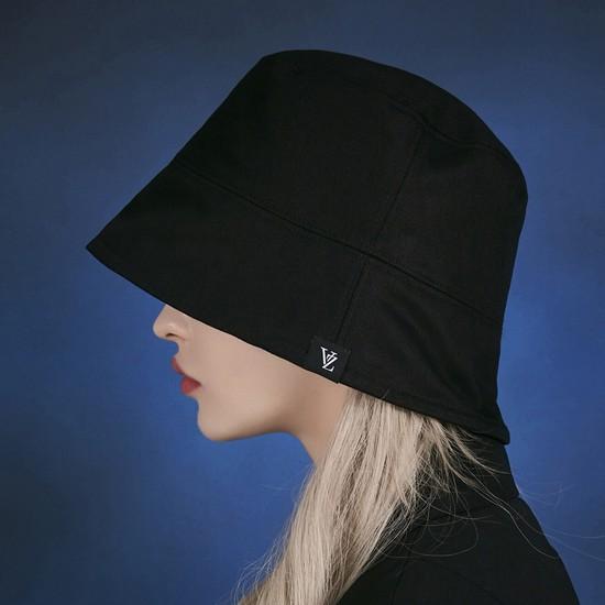 [바잘] 라벨 드롭 오버핏 버킷햇 블랙