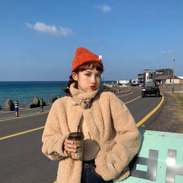 가바바 여자 겨울 숏무스탕 귀욤귀욤 빅 터틀넥 손목 스트랩 버큰 포인트 데일리 양털무스탕 G41196