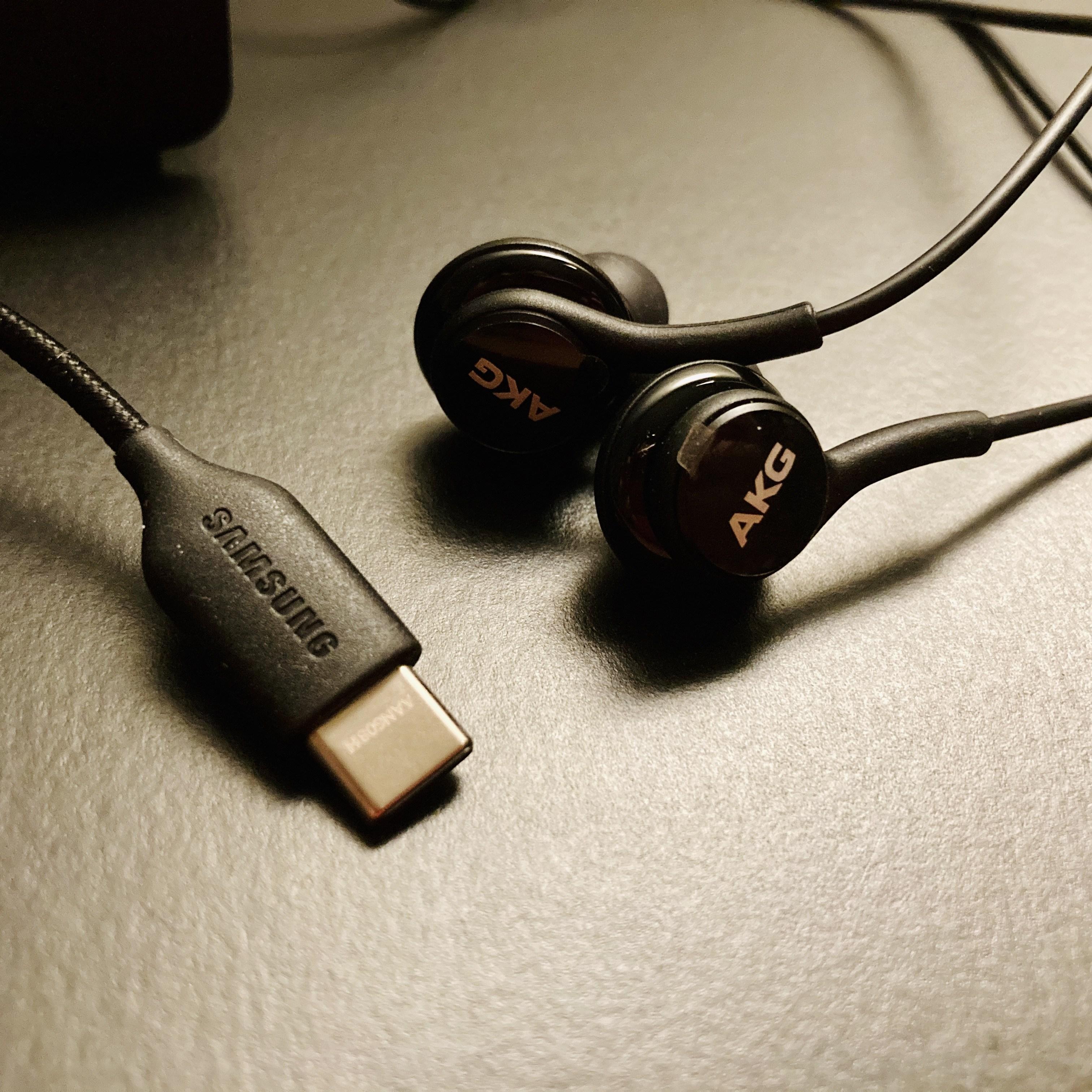삼성 정품 AKG 이어폰 C타입 번들 유선 커널형 갤럭시 S20 S21 노트10, 블랙