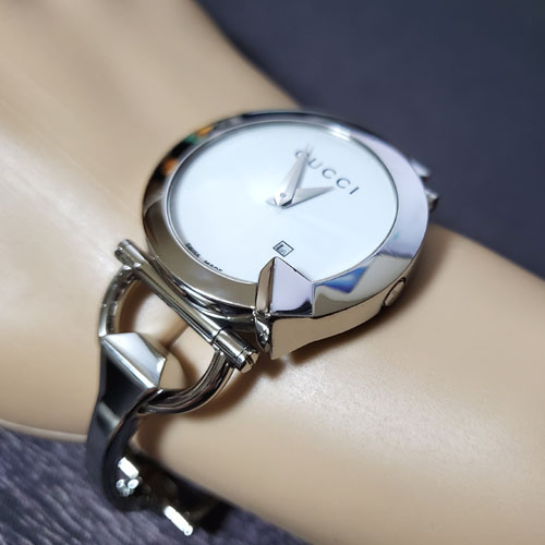 구찌 정품 신품급 122.5 여성용 손목시계